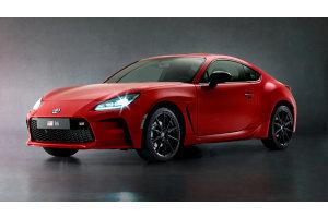 Toyota debutta la sportiva GR86